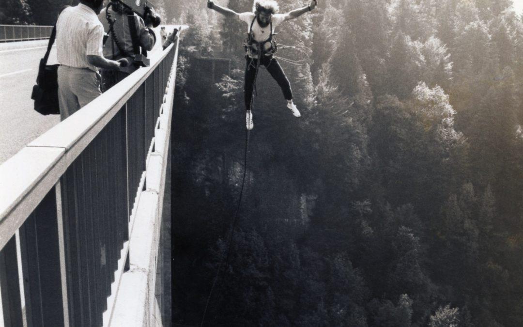 Nein, das ist kein Bungee-Jumper